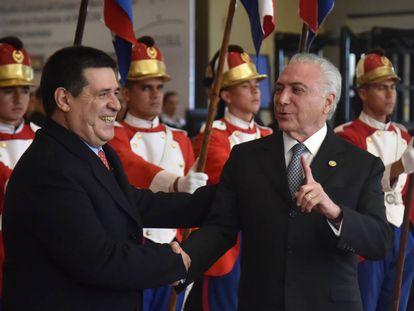 El presidente de Paraguay, Horacio Cartes, recibe en Asunción a su par brasileño, Michel Temer.
