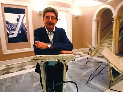 Juan Bosco Díaz-Urmeneta, en una exposición en Cádiz en 2007.