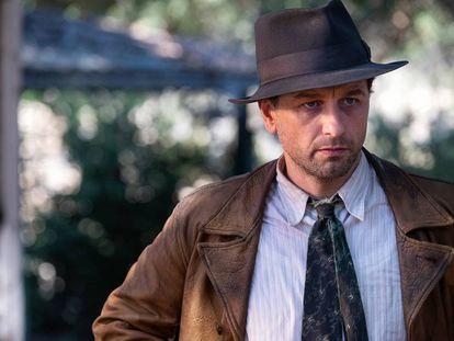El actor Matthew Rhys, en la nueva adaptación de 'Perry Mason'.