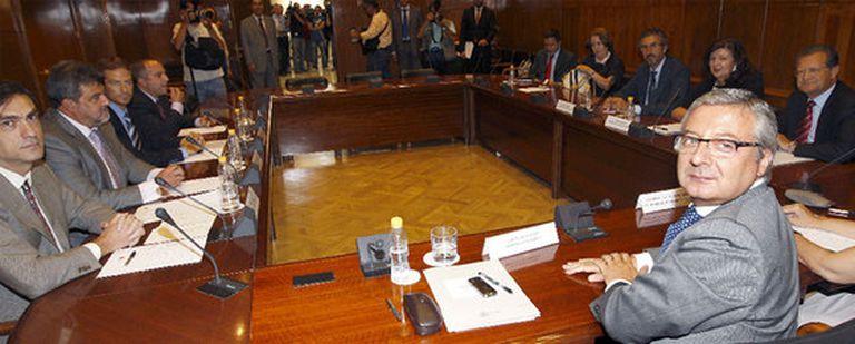 Reunión entre José Blanco y representantes de los controladores aéreos