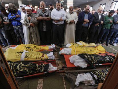 Funeral de una familia palestina muerta tras un bombardeo israelí en la franja de Gaza en noviembre.