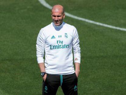 El técnico del Madrid reniega hablar de lo que ocurrió en el túnel del Camp Nou y rechaza comentar la actuación de Hernández Hernández