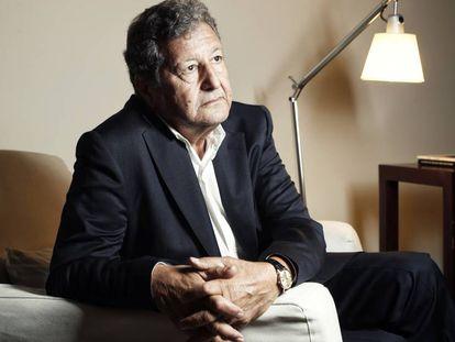 El politólogo y filósofo Sami Naïr, minutos antes de la entrevista, en un hotel de Madrid.