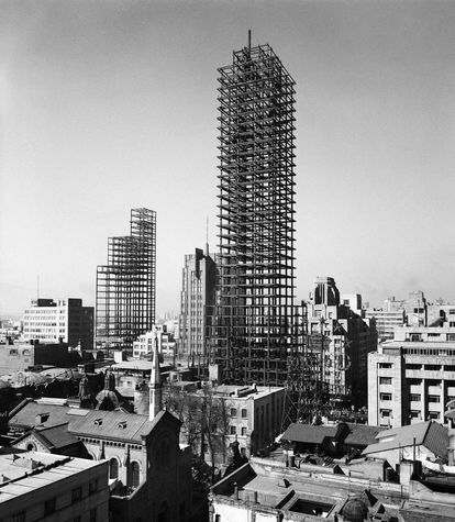 The construction of the Latin American Tower lasted from 1948 to 1956.