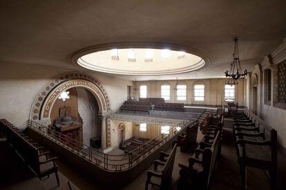 Vista general de la Sinagoga Ashkenazi de El Cairo, Egipto, desde el balcón.