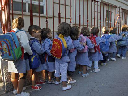 Vuelta al cole en el colegio Sagrado Corazón de la c/ Paraguay de Madrid.