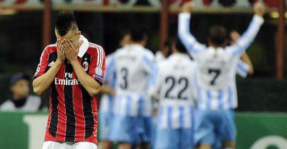 Stephan El Shaarawy se lamenta tras el gol de Eliseu.