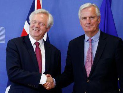Londres admite cerrar el acuerdo de divorcio antes de empezar con la relación futura