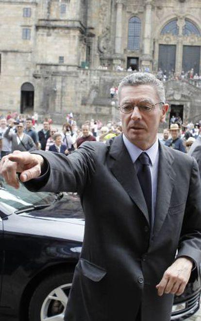El ministro Alberto Ruiz-Gallardón ayer en Santiago.