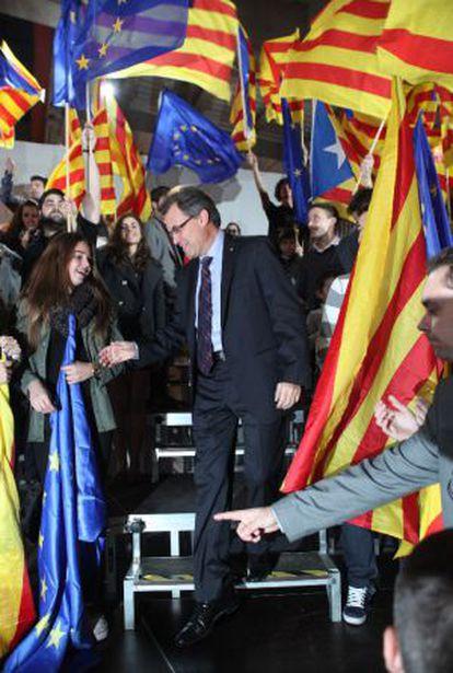 Artur Mas entrando en el mitin que dio anoche en Tarragona.