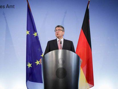 El ministro de Exteriores alemán, Sigmar Gabriel, durante su rueda de prensa, este jueves en Berlín.