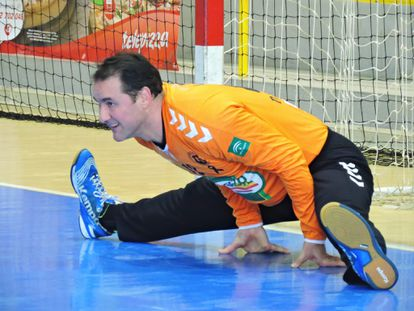 Diego Moyano, in a match with Antequera this season.