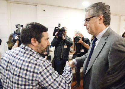 El hermano de José Couso se reúne con los portavoces del Congreso.