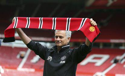 Mourinho, en su presentación en Manchester.