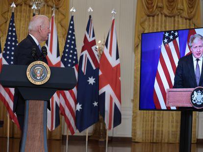 Joe Biden y Boris Johnson anuncian la iniciativa estratégica conjunta con Australia, este miércoles.