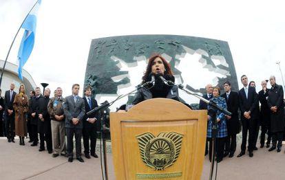La presidenta argentina Cristina Fernández (centro).