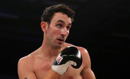 Scott Westgarth durante una pelea en Bristol.