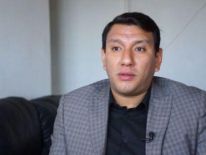Los criminólogos, José Gutiérrez y Janet Miranda, único apoyo externo de más de 150 familias, han decidido abandonar por unos días el Estado mexicano con más homicidios del país