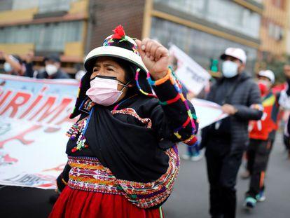 Seguidores de Pedro Castillo marchan en Lima, esta semana.