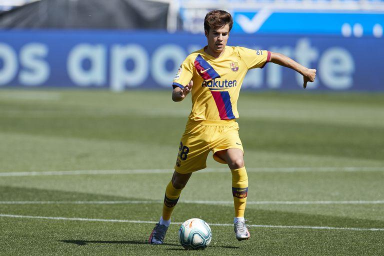 Riqui Puig, en el partido del Barcelona ante el Alavés.