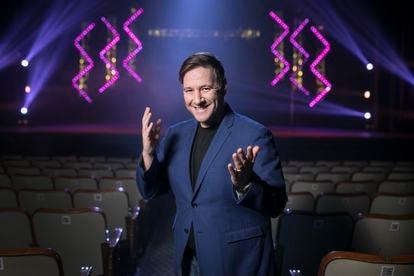 El humorista Carlos Latre, en el teatro Coliseum de Barcelona el jueves.