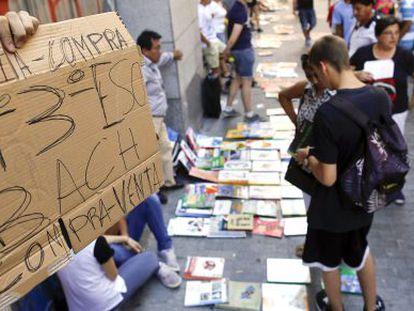 Venta de libros de segunda mano en Libreros, en 2013.