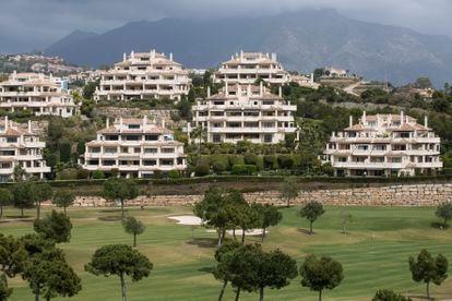 Residencias de lujo en Benahavís, (Málaga), en la Costa del Sol, que ha vivido un fuerte desarrollo inmobiliario.