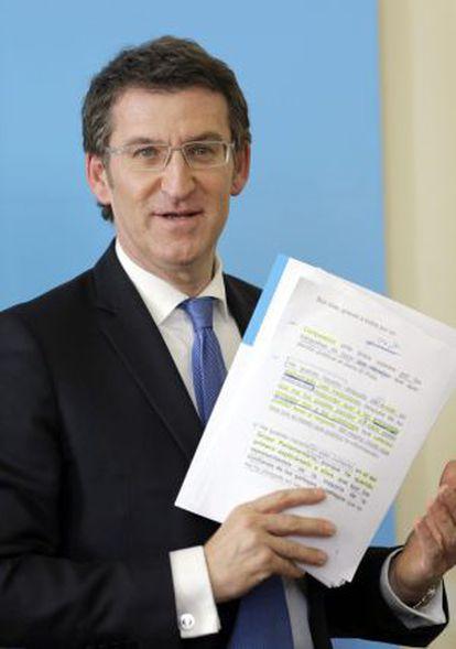 Alberto Núñez Feijóo, durante su comparencia de este lunes ante la prensa