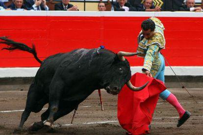 Ivan Fandiño, en la faena a su primer toro en Bilbao.