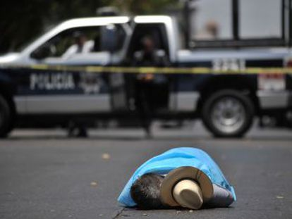 Las autoridades han capturado al supuesto homicida, Heriberto  N , alias  El Koala , este lunes en Tijuana y buscan a dos más