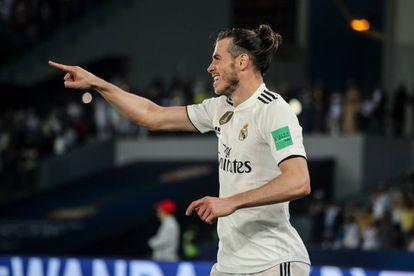 Bale celebra su tercer gol al Kashima Antlers.