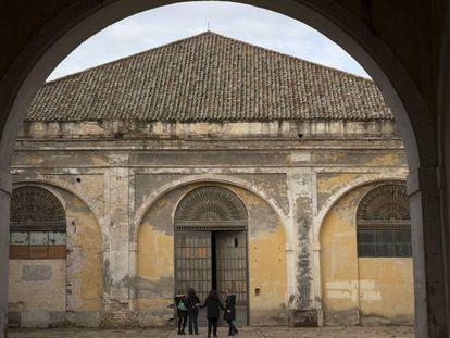Patio de las naves de Carlos III de la Real Fábrica de Artillería de Sevilla, futura entrada al Centro Magallanes.
