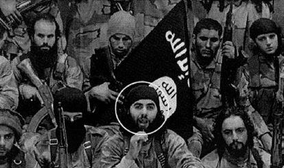 En el círculo el jefe, Abdelaziz el Mahdali. Arriba, a la derecha, el menor ceutí Nordin Abderrayat