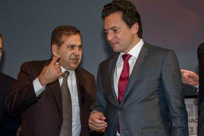 Emilio Lozoya y Alonso Ancira, presidente de la empresa Altos Hornos de México (AHMSA), en un acto en 2013.