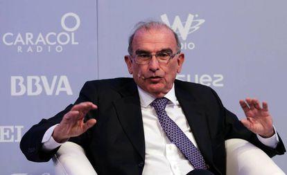 Humberto de la Calle durante su presentación en el foro.