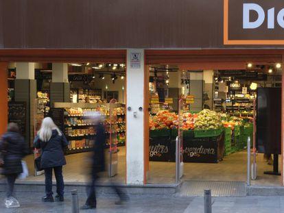 Fachada de una tienda Dia, en Madrid.