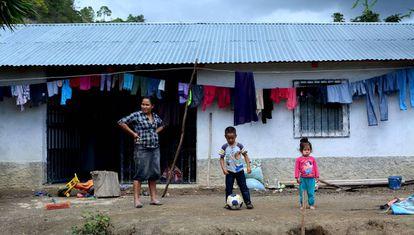 Vivienda en una aldea de Cubulco (Baja Verapaz, Guatemala).