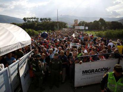 Santos anuncia controles más estrictos con 3.000 agentes y un centro de atención al migrante en colaboración con la ONU