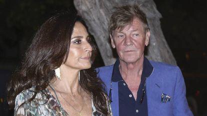 Ernesto de Hannover, junto a Maria Madalena Bensaude en la boda del hijo del príncipe en Lima.