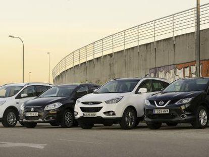 De izquierda a derecha: Ford Kuga, Suzuki S-Cross, Hyundai ix35 y Nissan Qashqai.