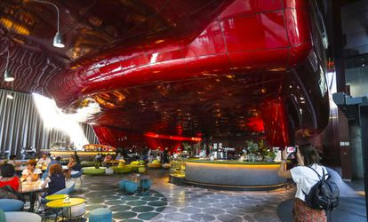 Cafetería del restaurante Nubel, en el Museo Reina Sofía.