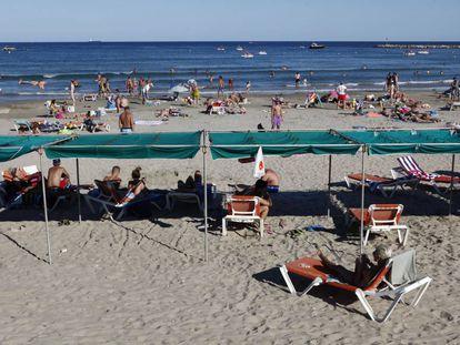 La playa de la Pineda en una imagen de archivo.