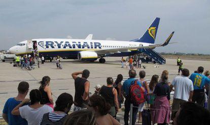 Imagen del embarque de pasajeros en la aerolínea Ryanair.