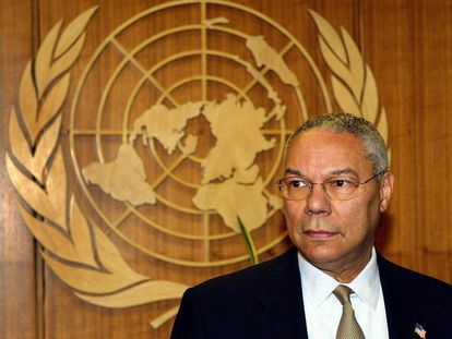 El general Colin L. Powell, ante el emblema de la ONU, en una imagen de archivo.