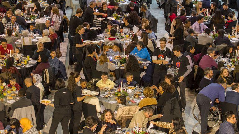 Comida solidaria de Navidad celebrada en el Palacio de Congresos de Madrid, en 2018.