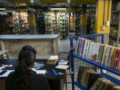 Restauradores,  detectives  e inventores trabajan en la sombra para preservar el patrimonio bibliográfico