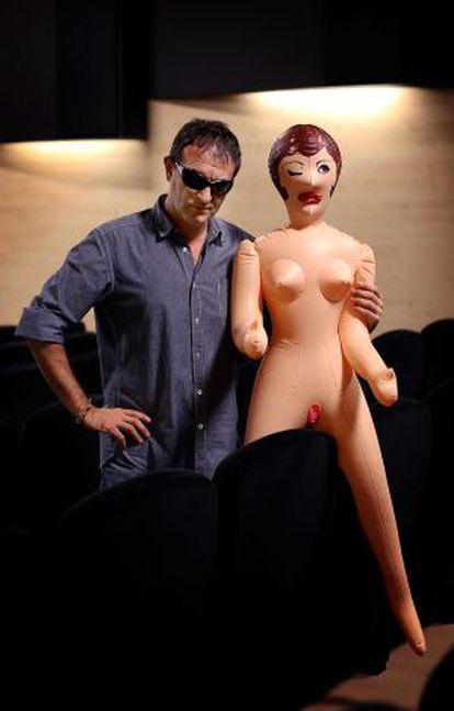 Manuel Valencia, bien acompañado en el cine.