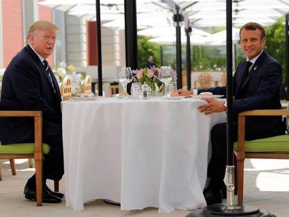 Donald Trump y Emmanuel Macron, reunidos este sábado en Biarritz. En vídeo, Trump pone en peligro la cumbre del G7.