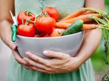 Las frutas y verduras deben formar parte de una dieta equilibrada.