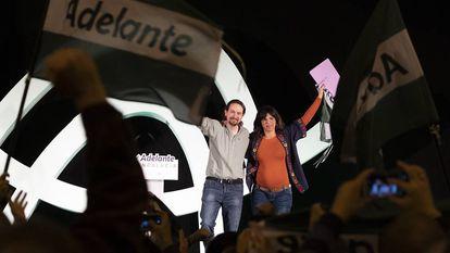 Pablo Iglesias y Teresa Rodríguez, durante el mitin celebrado en Sevilla en noviembre de 2018.